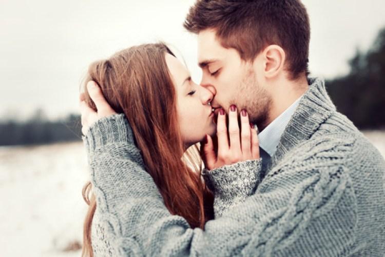 A tudomány megerősítette! A szenvedélyes csók segít kalóriákat égetni és fogyni